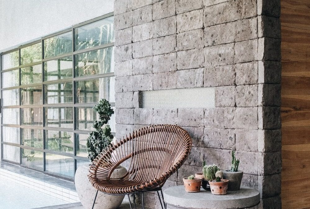 Decorate Your Home's Interior Wall Using Natural Stones