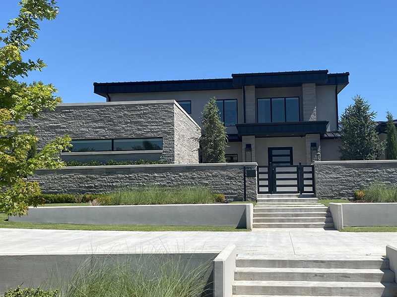 contemporary charcoal home | Richburg Stone