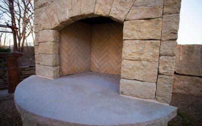 How Natural Stone Fireplaces Keep Your Home Warm