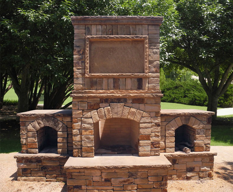 natural stone in outdoor space | Richburg Stone